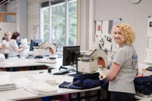 Impressionen aus der Textilveredelung im Logistik-Bereich